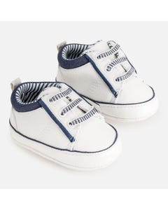SHOE WHITE NAVY TRIM IMITATION LACES